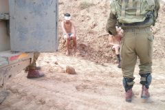 son-of-palestian-who-had-gun-planted-was-blinded-by-Israeli-police