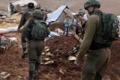 Palenstine: Israeli Soldiers patrol tent homes 2021-02-08.2